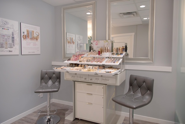 Enlighten Laser & Skin Care Clinics - Jane Iredale