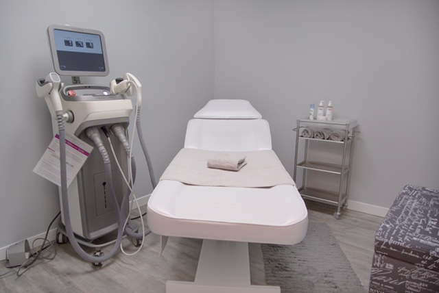Enlighten Laser & Skin Care Clinics room